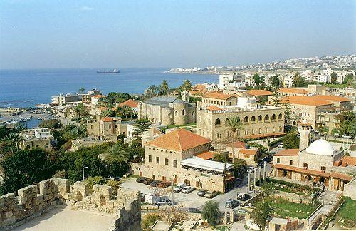 . Byblos es quizás la ciudad más antigua del mundo, ubicada 45 minutos al norte de Beirut y ha visto pasar todas las épocas de la humanidad, desde la edad de piedra