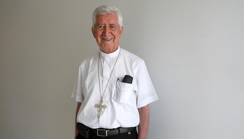 Este es el ex obispo de Sincelejo, Nel Beltran., el verdadero.