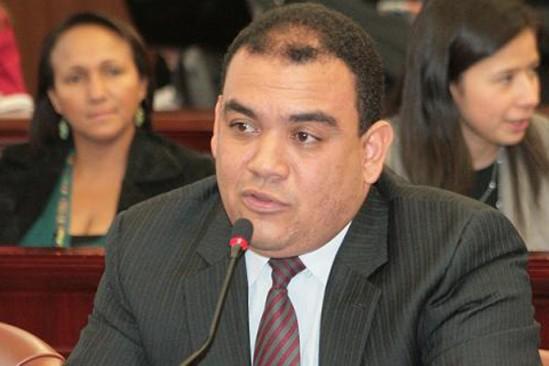 Antonio-José-Correa-549x366