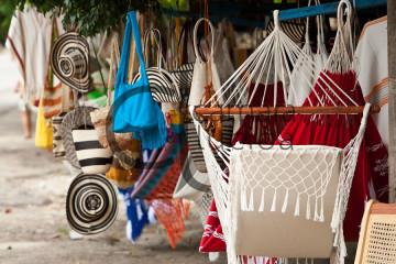 Venta de Artesanias, San Jacinto, Bolivar, Colombia/ Sale of Crafts, San Jacinto, Bolivar, Colombia