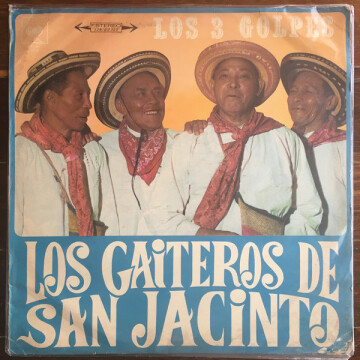 Juan Lara, segundo de izquierda a derecha, se comió su casa antes de morir.